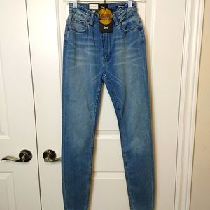 Exclusive Lee High Licks Size 4 jeans